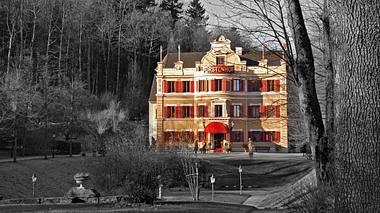 Der Fürstenhof von Sturm der Liebe. - Foto: ARD/Jo Bischoff