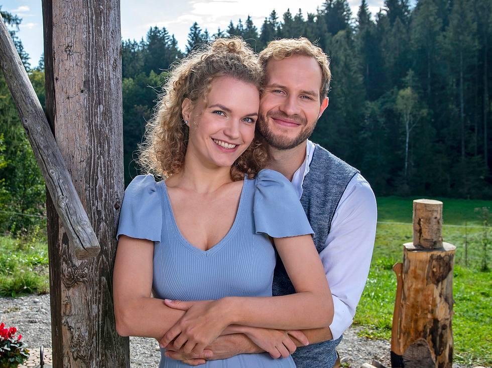 Maja von Thalheim (Christina Arends) und Florian Vogt (Arne Löber) sind das Traumpaar der 17. Staffel 'Sturm der Liebe'.