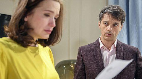 Eva und Robert erfahren bei Sturm der Liebe, wer der Vater des noch ungeborenen Kindes ist. - Foto: ARD/Christof Arnold