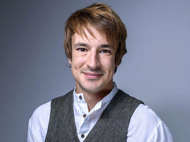 Viktor Saalfeld tritt in Folge 2761 von Sturm der Liebe erstmals auf.