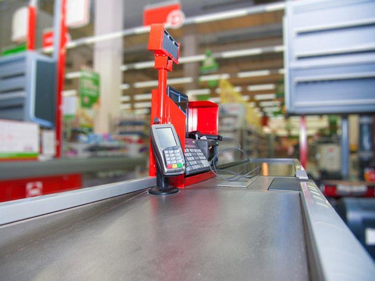 Eine Supermarktkasse für Demenzerkrankte wurde in Schottland geöffnet.
