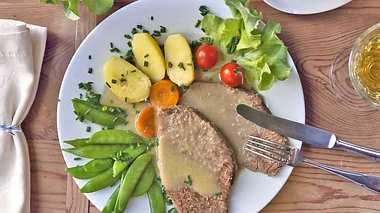 Tafelspitz mit Meerrettichsoße ist ein echter Klassiker in der Küche. - Foto: Thomas Francois / iStock