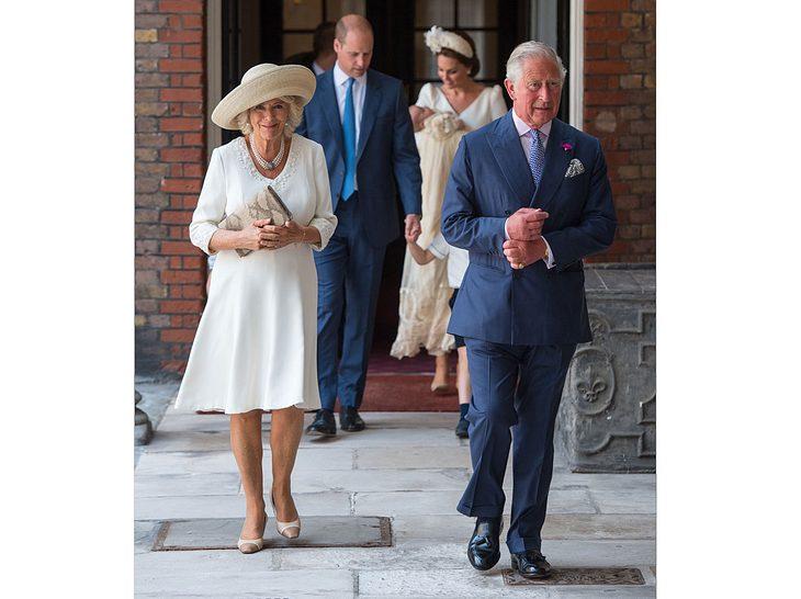 Herzogin Camilla und Prinz Charles auf dem Weg zur Taufe von Prinz Louis.
