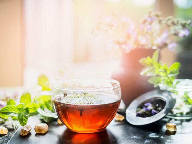 Tee zum Entschlacken ist leicht selbst gemacht