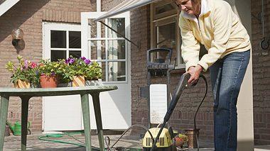 Terrasse richtig reinigen