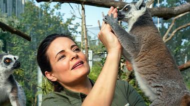 Elisabteh Lanz verkörpert die Tierärztin Dr. Mertens im ARD. - Foto: ARD/Steffen Junghans