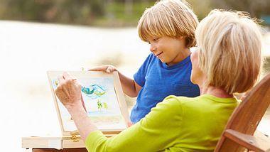 Enkelkind zu Besuch: Tipps gegen Langeweile - Foto: monkeybusinessimages / iStock