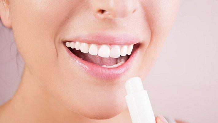 Hausmittel gegen trockene Lippen