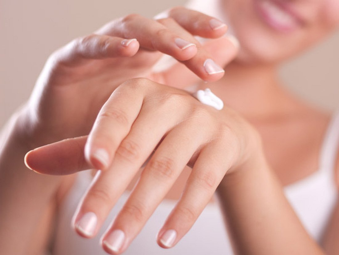 Trockene Hände: Die besten Hausmittel und Pflegeprodukte.