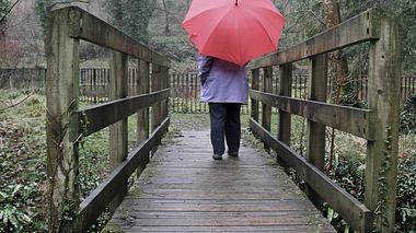 Vielen schlägt der nasskalte und dunkle Januar auf Gemüt. - Foto: ands456 / iStock