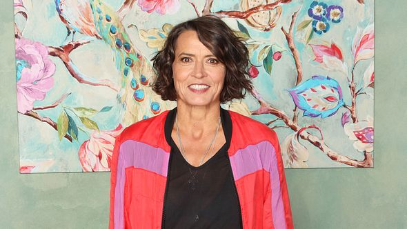 Ulrike Folkerts bei einem Setbesuch 2019. - Foto:  Tristar Media / Kontributor / Getty Images