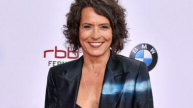 Schauspielerin Ulrike Folkerts spielte erstmals in einem Rosamunde-Pilcher-Film mit. - Foto: Clemens Bilan/Getty Images