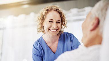 Neue Pflegereform. - Foto: Cecilie_Arcurs / iStock