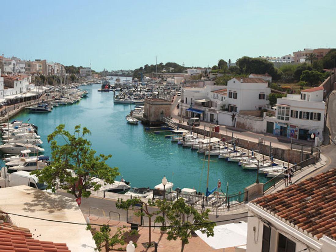 Der Hafen in Ciutadella auf Menorca