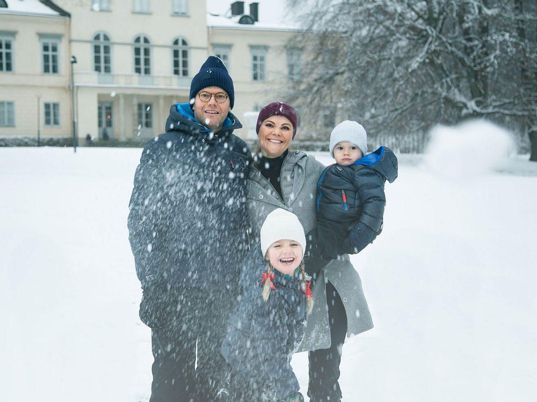 Victoria von Schweden: Schnee-Spaß mit Estelle, Oscar und Daniel