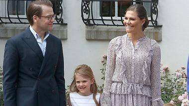 Victoria von Schweden mit ihrem Mann Daniel und ihren Kindern Estelle und Oscar.  - Foto: Michael Campanella/Getty Images