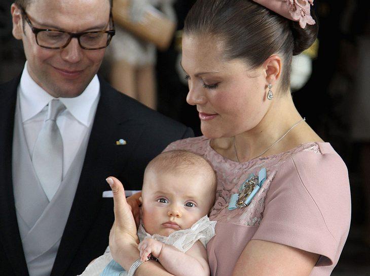 Victoria von Schweden bei der Taufe ihrer Tochter Estelle.