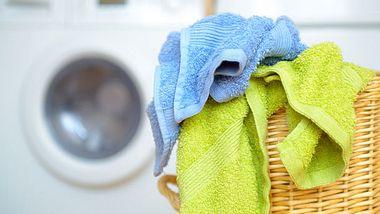 Wenn Sie Wäsche waschen, sollten Sie einige Tipps beherzigen. - Foto: humonia / iStock