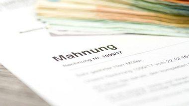 Was weiß die Schufa? - Foto: stadtratte / iStock