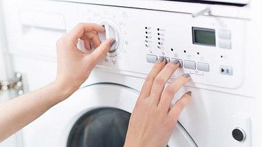 Waschmaschine richtig pflegen - Foto: PIKSEL/iStock