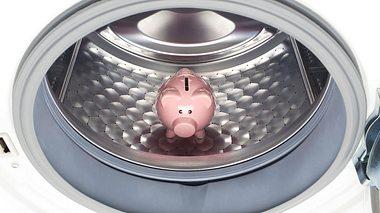 Mit einigen Tricks lässt sich der Stromverbrauch Ihrer Waschmaschine senken. - Foto: malerapaso / iStock