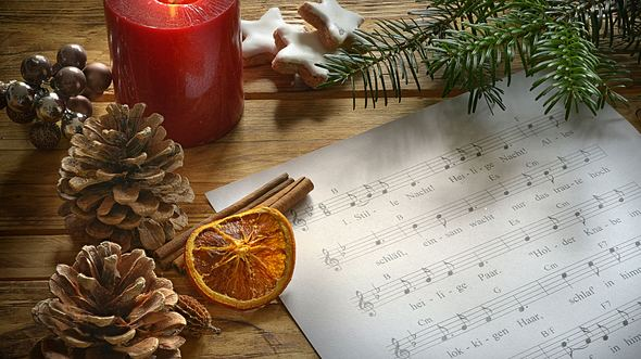 Die schönsten Weihnachtslieder - Foto: Rebell / iStock