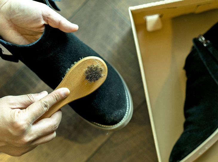 Mit diesen Tipps wird Wildleder sauber, ohne Schaden zu nehmen.