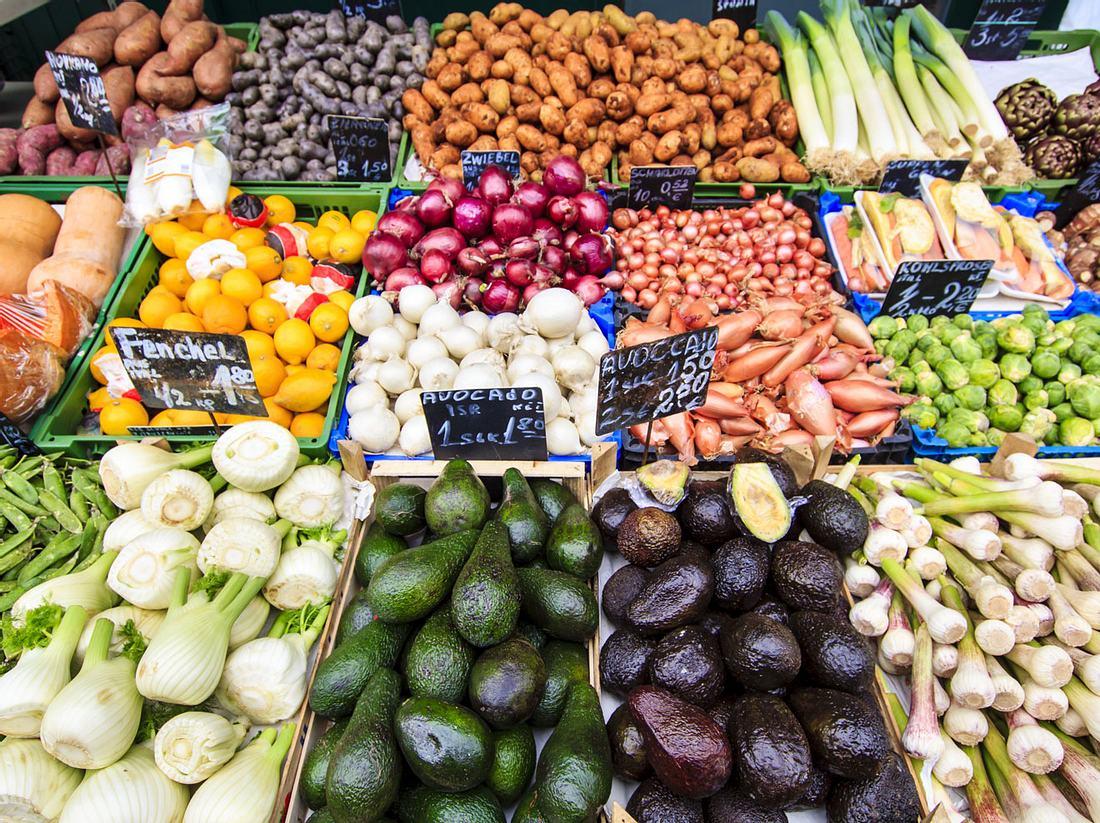 Wer sich gut und ausgewogen ernähren will, ist auf seinem örtlichen Marktplatz genau richtig.