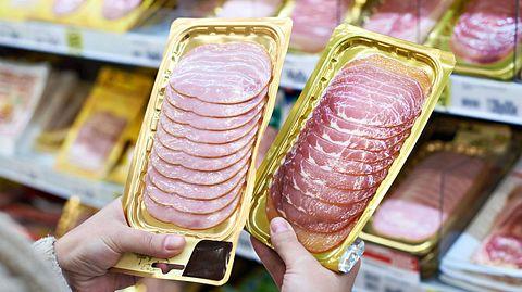 Beim Einkauf von Wurstwaren gilt es einiges zu beachten. - Foto: sergeyryzhov / iStock