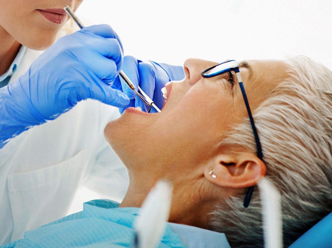 Zahnfisteln sollten umgehend behandelt werden.
