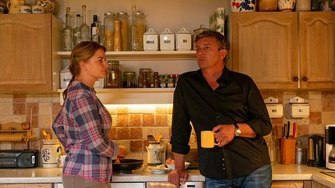 Ines Lutz als Ane  und Hans Sigl als Martin in Der Bergdoktor. - Foto: ZDF / Erika Hauri