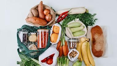 Lebensmittel in nachhaltiger Verpackung - Foto: iStock/Anchiy