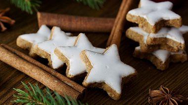 Leckere, selbst gebackene Zimtsterne - Foto: juefraphoto / iStock