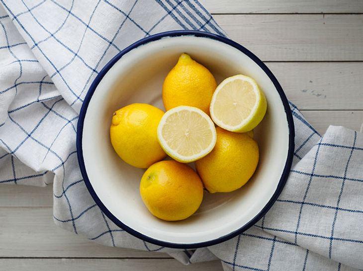 Besser schlafen Dank Zitrone auf dem Nachttisch