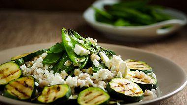 Zucchini ist nicht nur lecker, sondern mit unseren Rezepten super schnell zubereitet.  - Foto: haoliang / iStock