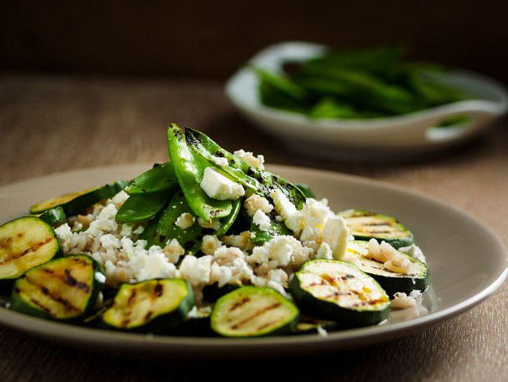 Zucchini ist nicht nur lecker, sondern mit unseren Rezepten super schnell zubereitet.