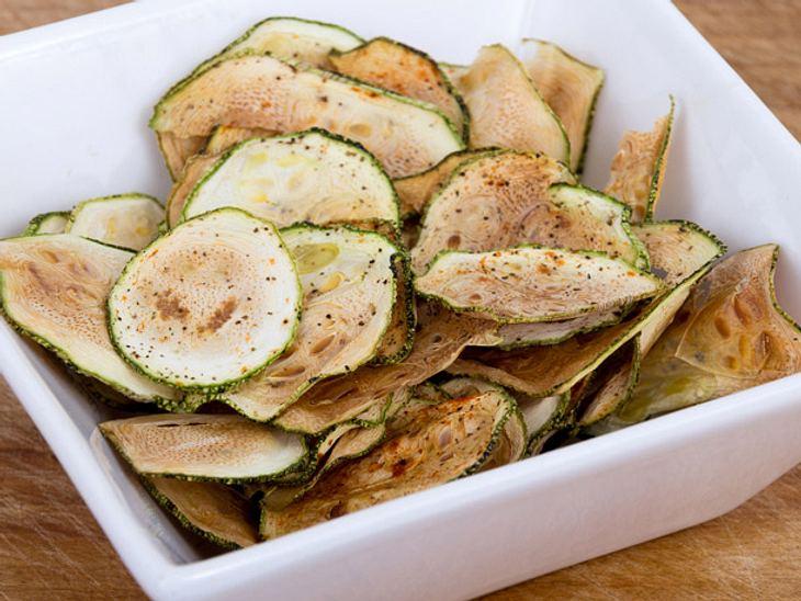 zucchini chips selber machen gem sechips selber machen 3 einfache. Black Bedroom Furniture Sets. Home Design Ideas