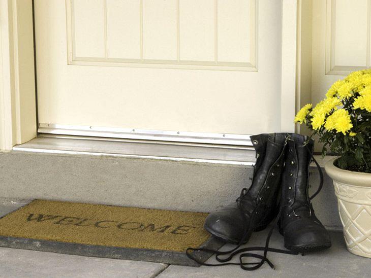 Um sich selbst und Ihrer Wohnung etwas Gutes zu tun, sollten Sie im Haus keine Straßenschuhe tragen.