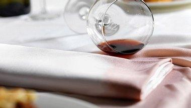 Flecken entfernen: Von Rotwein bis Kerzenwachs