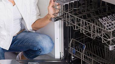 Ihre Spülmaschine sollten Sie regelmäßig reinigen. - Foto: JackF / iStock