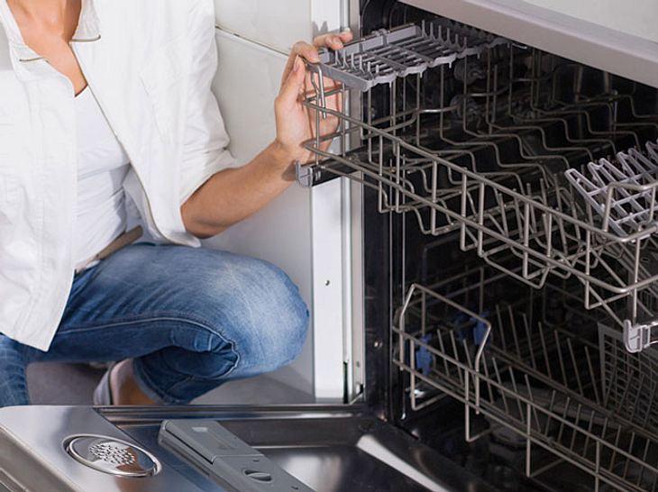 Ihre Spülmaschine sollten Sie regelmäßig reinigen.