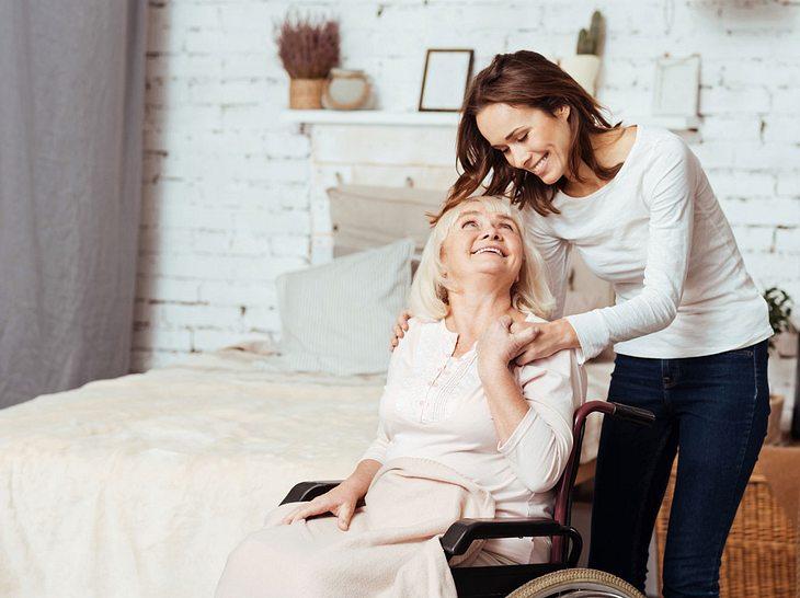 Ist das Pflegezimmer optimal eingerichtet, gibt das Angehörigen und Pflegenden Entlastung.