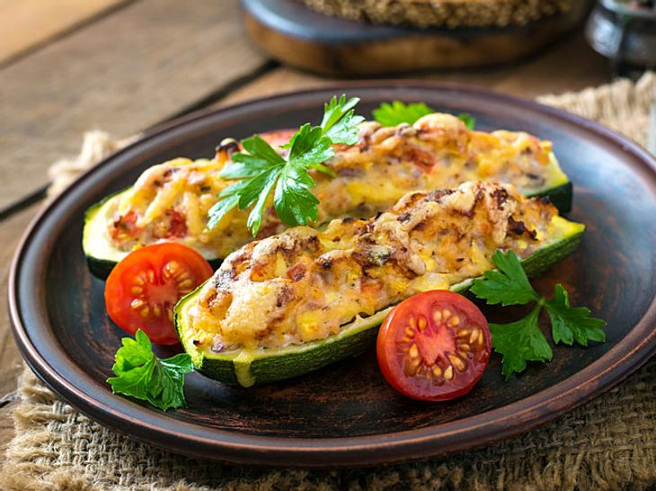 Gefüllte-Zucchini-Rezepte mit Hackfleisch, Hähnchen ...