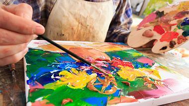 Malen für Erwachsene - Foto: valentinrussanov / iStock